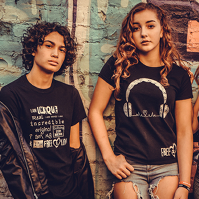 A boy and A girl. Free2Luv shop