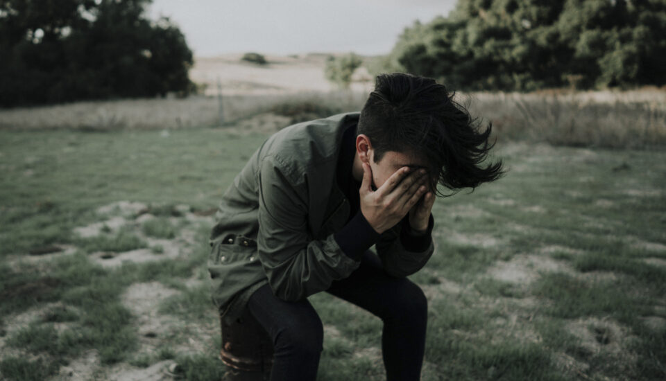 Anxiety, it does not define you! Understand it and discover 7 tips to manage it.